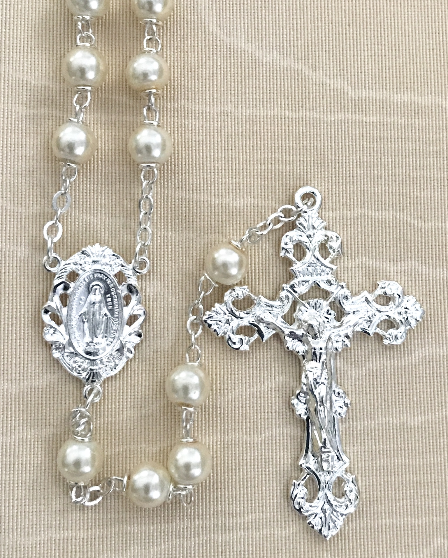7mm ROUND PEARL ROSARY WITH STERLING SILVER PLATED CRUCIFIX AND CENTER GIFT BOXED