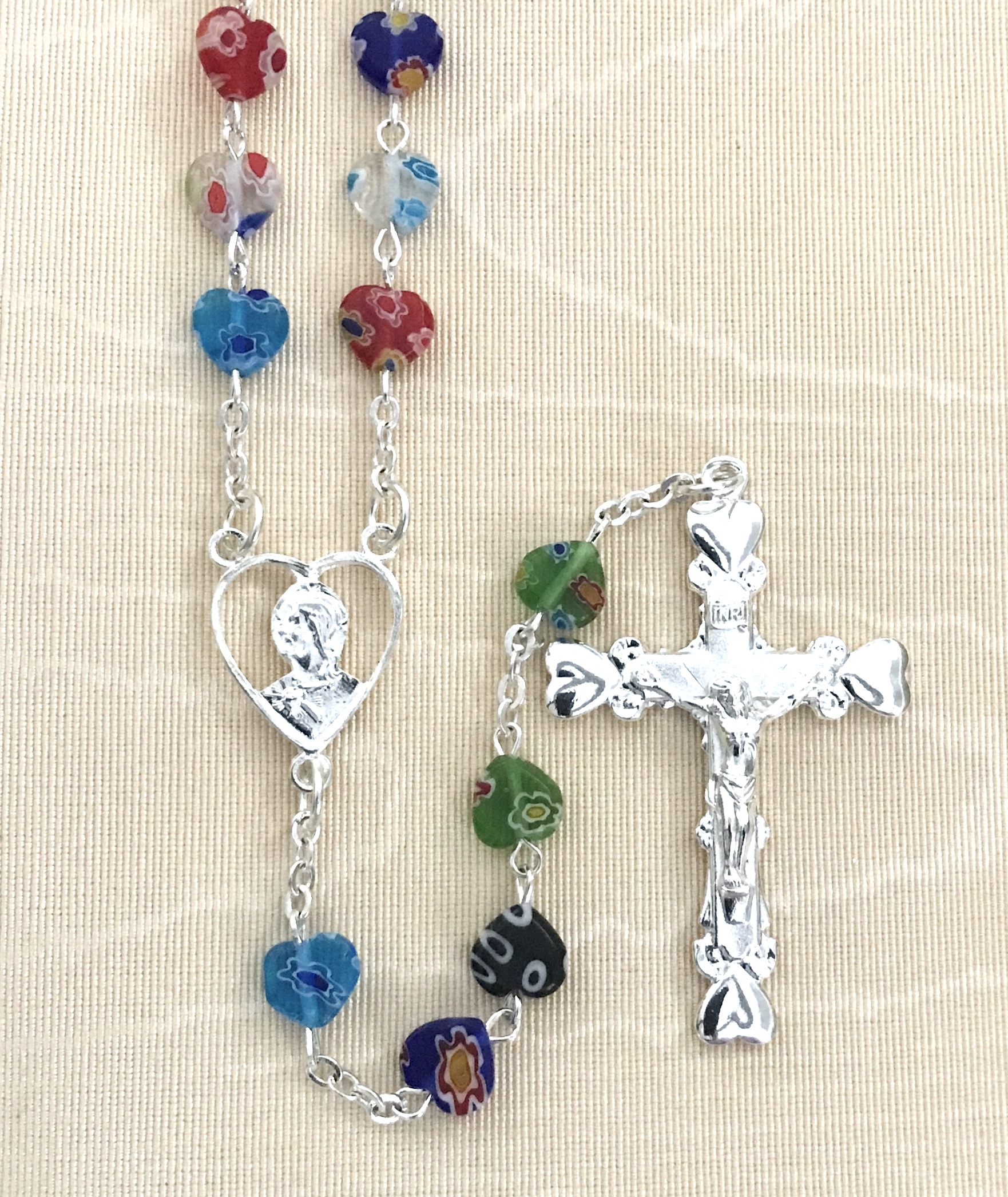 8x8mm MULTI COLORED HEART SHAPED GLASS ROSARY WITH STERLING SILVER PLATED CRUCIFIX AND CENTER GIFT BOXED