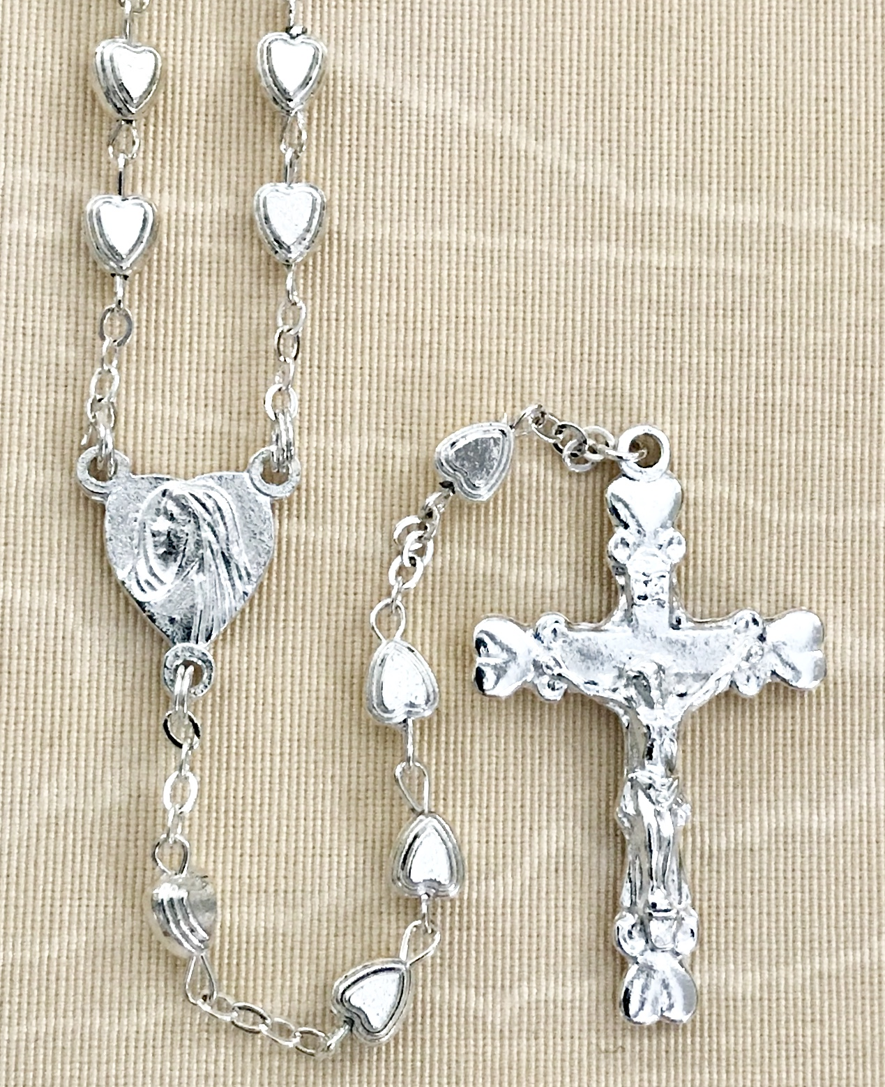 6x6mm HEART SHAPED SILVER ROSARY WITH STERLING SILVER PLATED CRUCIFIX AND CENTER GIFT BOXED