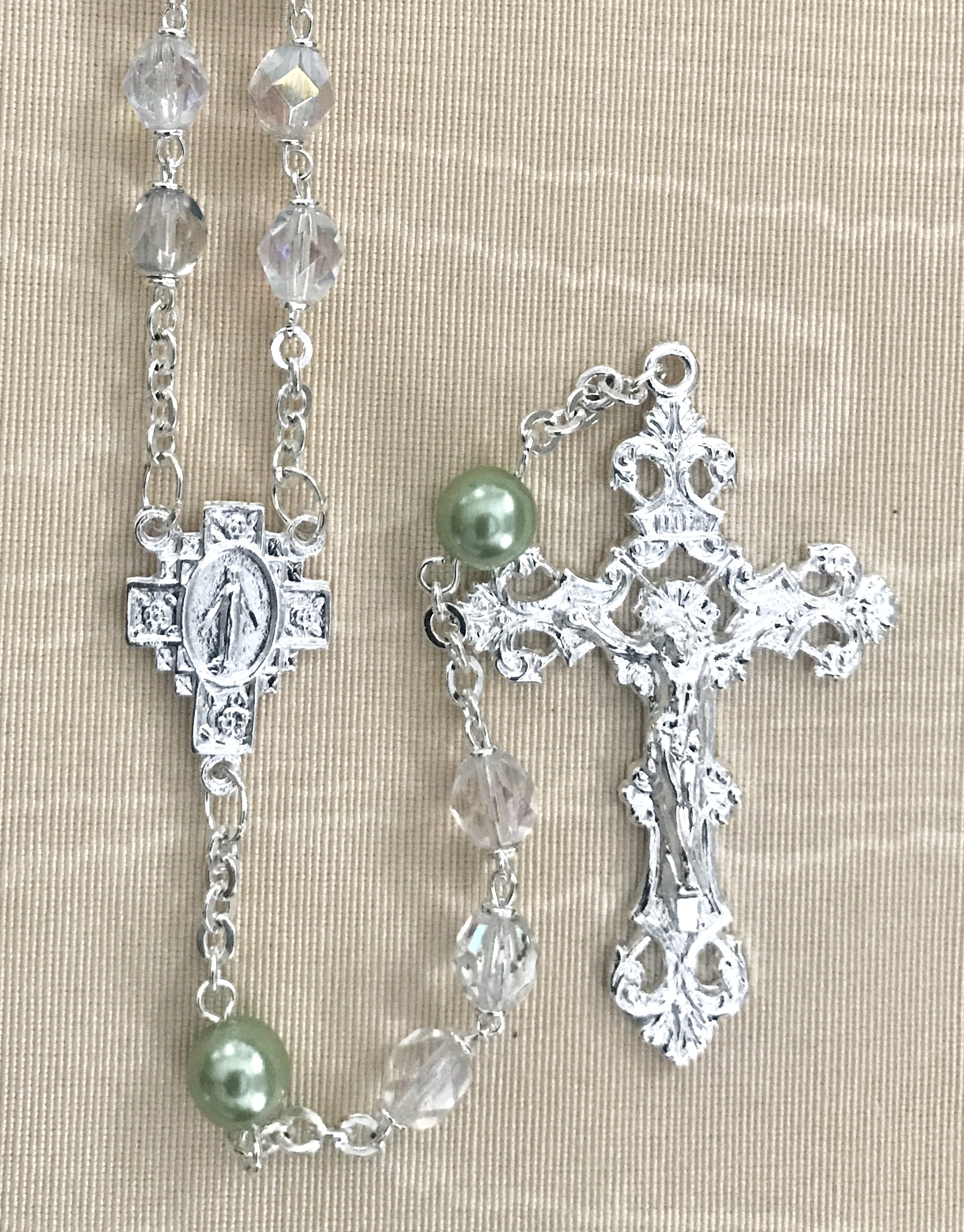 August 7mm CRYSTAL AB with PERIDOT PEARL OUR FATHER BEADS S.S. PLATE LOC-LINK - GIFT BOXED