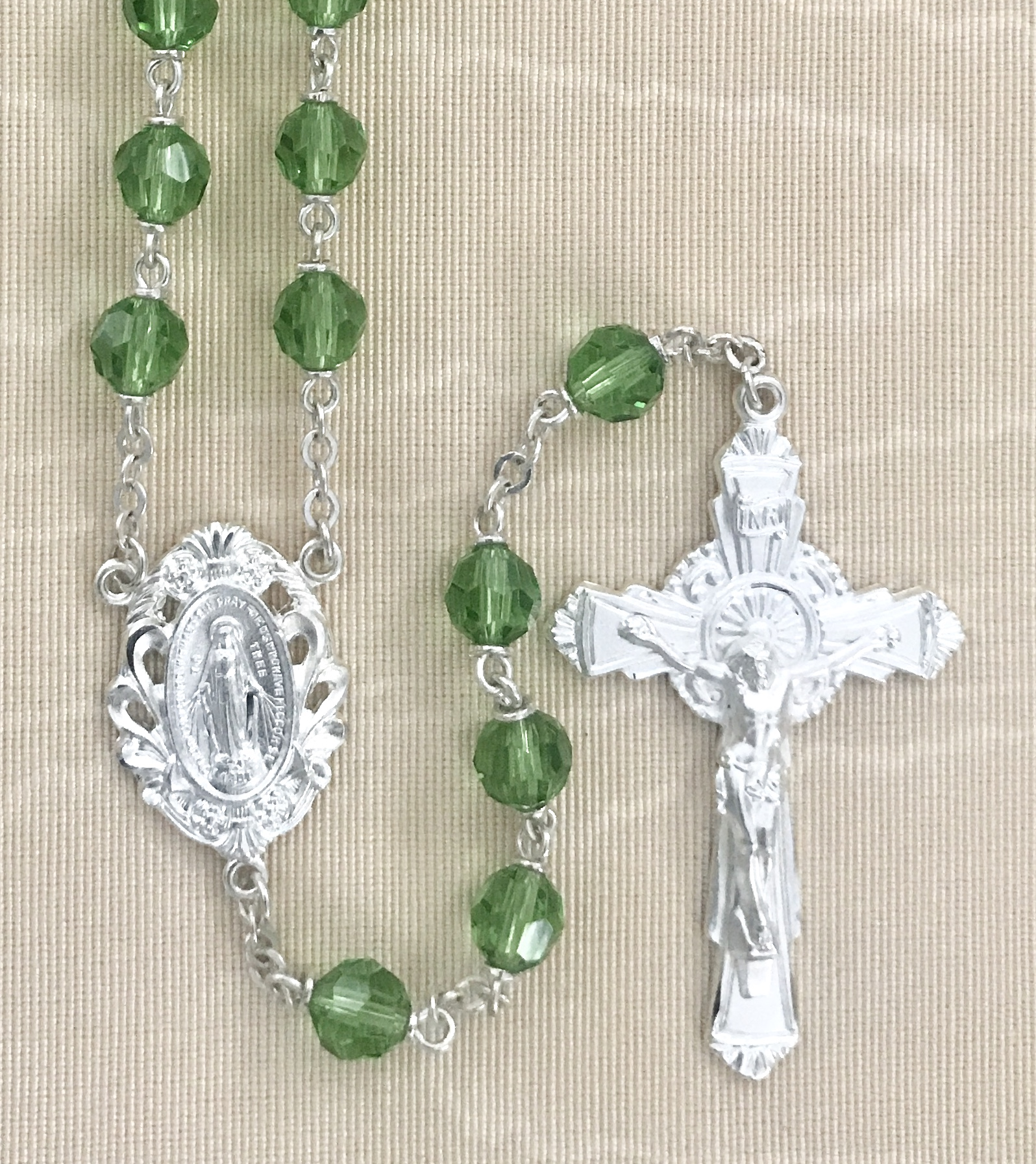 6mm PERIDOT TIN CUT LOC-LINK STERLING SILVER PLATED ROSARY GIFT BOXED