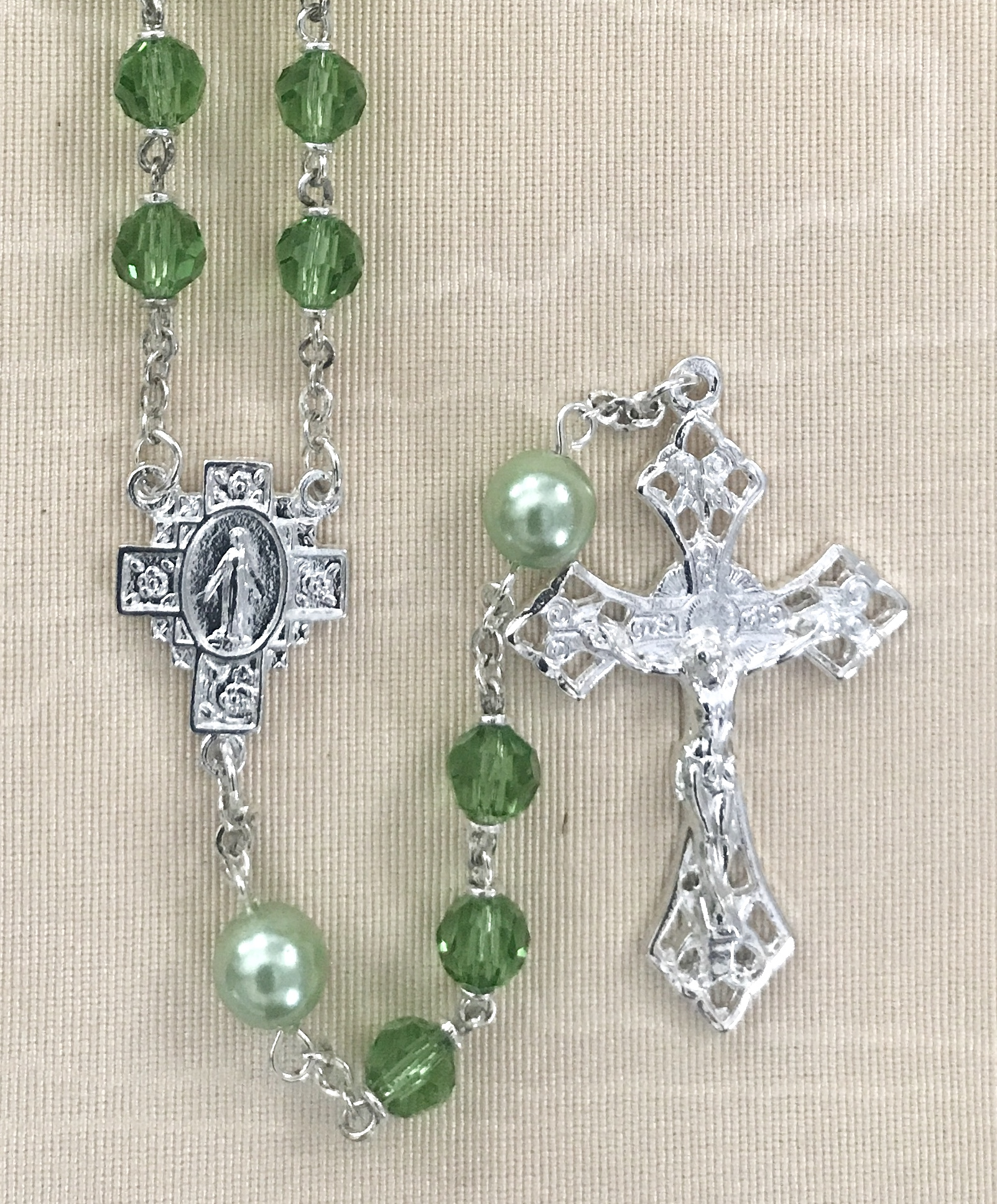 6mm PERIDOT TIN CUT WITH PEARL OUR FAHTER BEADS STERLING SILVER PLATED ROSARY GIFT BOXED