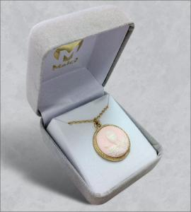 18 in Chalice Cameo Pendant on Chain with Box