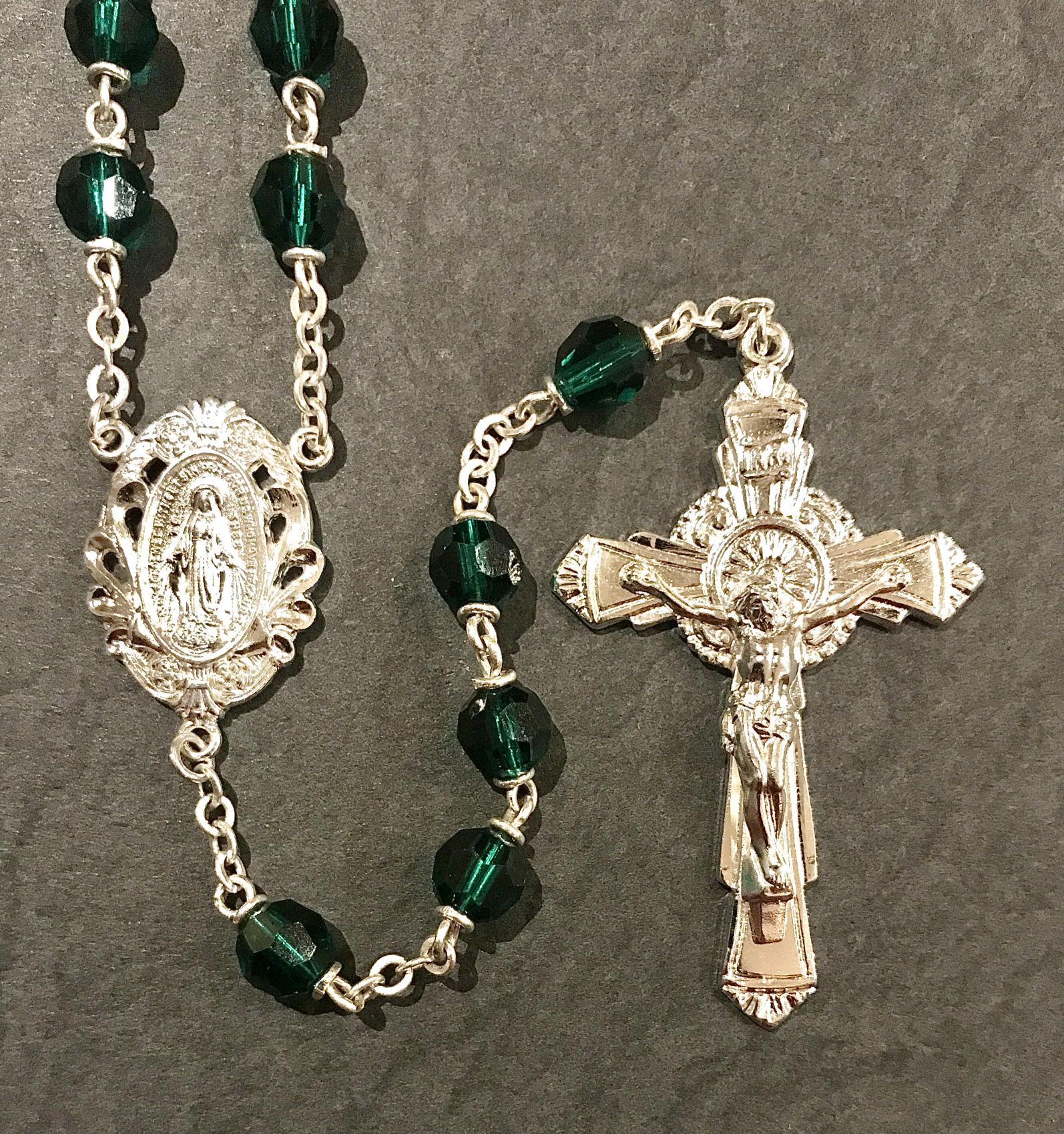 6mm EMERALD TIN CUT LOC-LINK ROSARY WITH STERLING SILVER PLATED CRUCIFIX, CENTER, WIRE, CHAIN GIFT BOXED